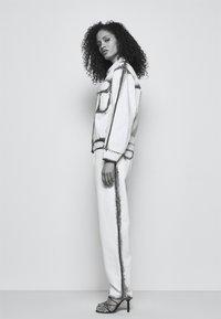 Alberta Ferretti - JACKET - Džínová bunda - white - 4