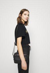 Ellesse - PRESEPE - T-shirts print - black - 3