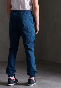 Superdry - Cargo trousers - bayside navy - 2