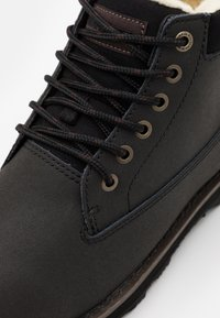 Quiksilver - MISSION BOOT - Zimní obuv - solid black - 5