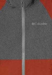 Columbia - ROCKY RANGE - Softshellová bunda - shark/carnelian red - 3