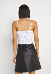 BDG Urban Outfitters - TRIM CAMI - Top - white - 2