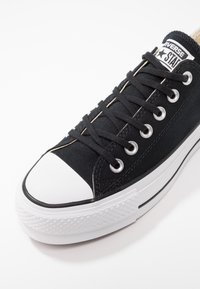 Converse - CHUCK TAYLOR ALL STAR LIFT - Baskets basses - black/garnet/white - 2