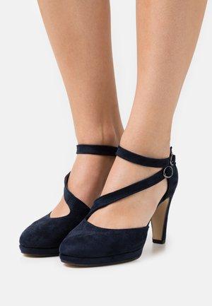 High heels - river