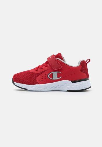 LOW CUT SHOE BOLD UNISEX - Sportovní boty - red