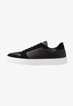 WING VEGAN - Sneakers laag - black