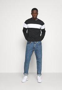 Calvin Klein Jeans - Bluza - black - 1