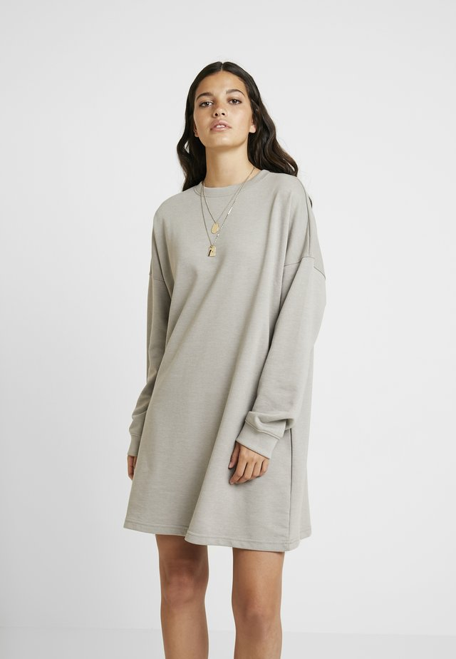 OVERSIZED SWEATER DRESS - Day dress - grey