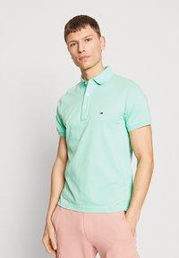 Tommy Hilfiger - Poloshirts - green - 0