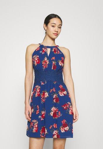 VIMILINA FLOWER DRESS - Sukienka koktajlowa - mazarine blue/aya