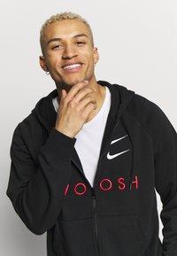 Nike Sportswear - M NSW HOODIE FZ FT - Bluza rozpinana - black/university red - 3