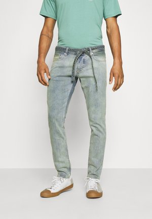 MOURA - Jeans Tapered Fit - straw blue