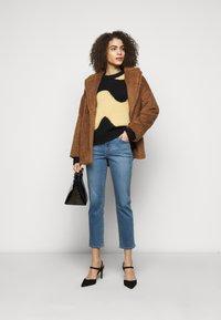 J Brand - ADELE  - Straight leg jeans - earthen - 1