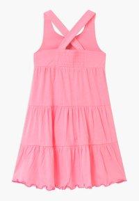 Blue Seven - SMALL GIRLS - Žerzejové šaty - neon azalee - 1
