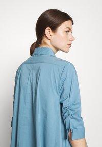 Steffen Schraut - BENITA FASHIONABLE BLOUSE - Button-down blouse - arctic blue - 4