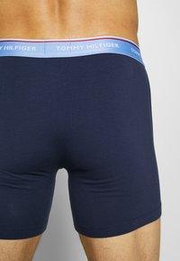 Tommy Hilfiger - BOXER BRIEF 3 PACK - Pants - dark blue/light green/pink - 2