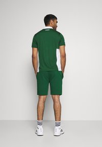 Lacoste Sport - MEN TENNIS - Sports shorts - green - 2