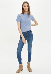 DeFacto - Basic T-shirt - blue - 1