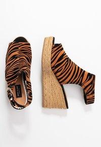 River Island Wide Fit - Højhælede sandaletter / Højhælede sandaler - orange - 3