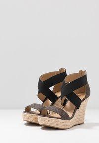 MICHAEL Michael Kors - PRUE WEDGE - Sandalen met hoge hak - brown - 4