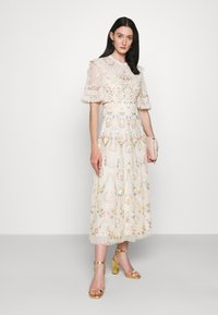 Needle & Thread - REVERIE ROSE BALLERINA DRESS - Společenské šaty - champagne - 1
