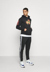 adidas Originals - HOODY - Huppari - black - 1