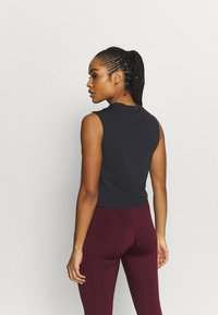 Reebok - VECTOR CROP - Top - black - 2