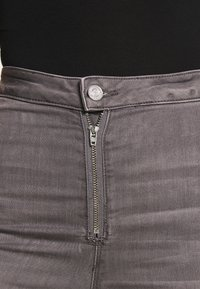 Missguided - VICE EXPOSED ZIP BUTTON DETAIL - Jeans Skinny Fit - grey - 4