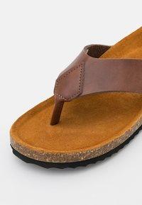 Office - SAUL TOE POST  - T-bar sandals - brown - 5