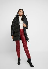 Hunter ORIGINAL - WOMENS ORIGINAL PUFFER JACKET - Winter coat - black - 1