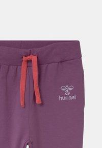 Hummel - VEN  UNISEX - Kalhoty - chinese violet - 2