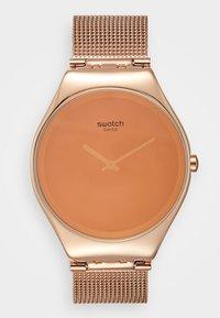 Swatch - OH MIROIR DIS-MOI QUI EST LA PLUS BELLE - Zegarek - rose - 0