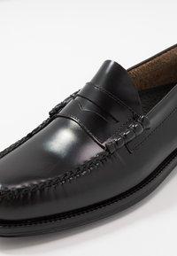 G. H. Bass & Co. - WEEJUN LARSON PENNY - Elegantní nazouvací boty - black - 6