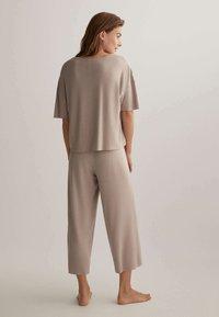 OYSHO - Pyjama top - beige - 2