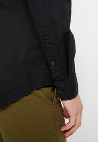 Esprit - SOLIST SLIM FIT - Shirt - black - 5