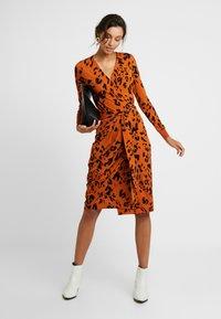 InWear - DRESS - Robe en jersey - rust - 1