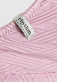 Rhythm - MALDIVES TALL TRI - Bikini top - lavender - 2