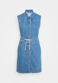 DRAWSTRING DRESS - Denimové šaty - clean callie