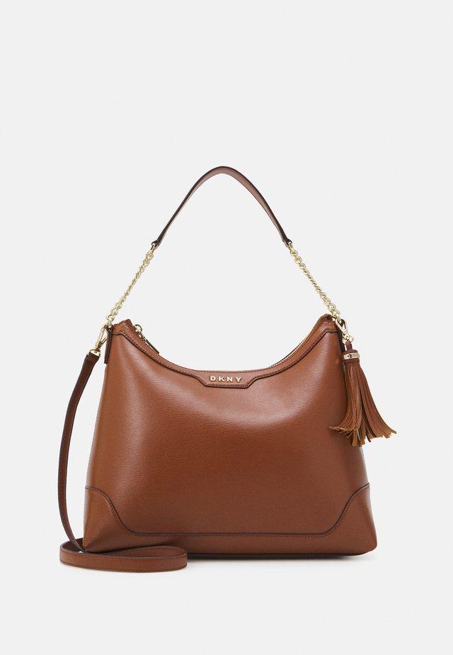 LILIAN MINI CHAIN CBODY - Handbag - caramel