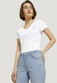 TOM TAILOR DENIM - Slim fit jeans - destroyed light stone blue den - 4