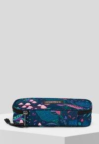 Eastpak - PARADISE GARDEN/AUTHENTIC - Wash bag - blue - 2