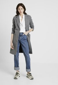ONLY Tall - ONLASTRID LINDA COAT  - Zimní kabát - medium grey melange - 1