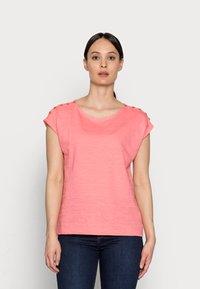 Esprit - TEE - Basic T-shirt - coral - 0