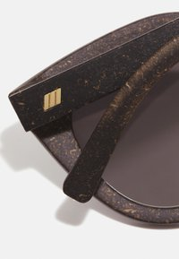 Le Specs - AIR - Sluneční brýle - midnight grass - 3