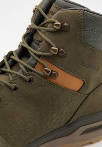 Lowa - LOCARNO GTX MID - Hiking shoes - forest - 5