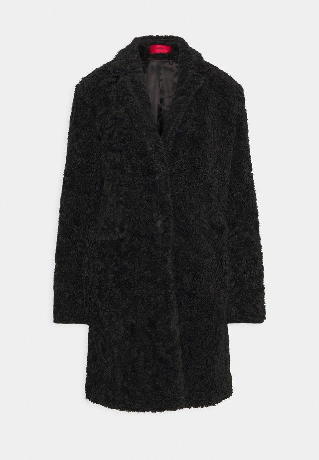 MELLIA - Wollmantel/klassischer Mantel - black