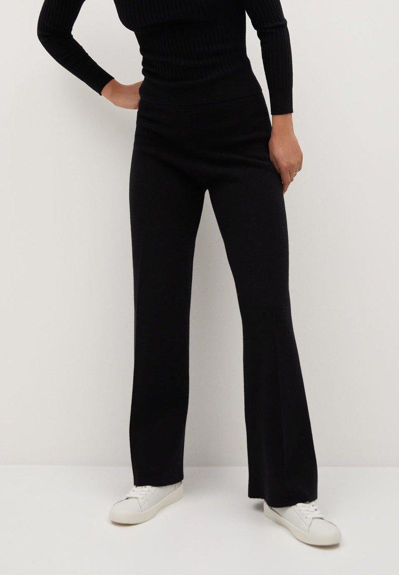 Mango - BLOCKER - Trousers - schwarz
