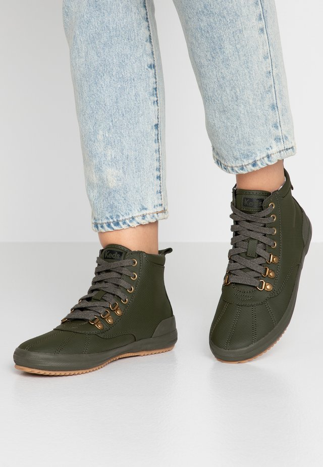 SCOUT BOOT - High-top trainers - olive