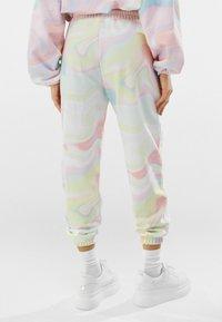 Bershka - Teplákové kalhoty - pink - 2