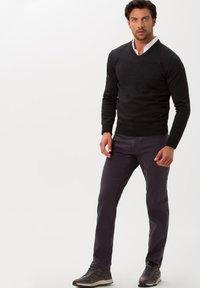 BRAX - STYLE COOPER FANCY - Straight leg jeans - anthra - 1